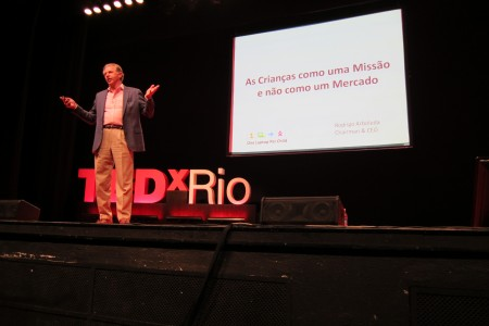 Rodrigo speaking at TEDxRio