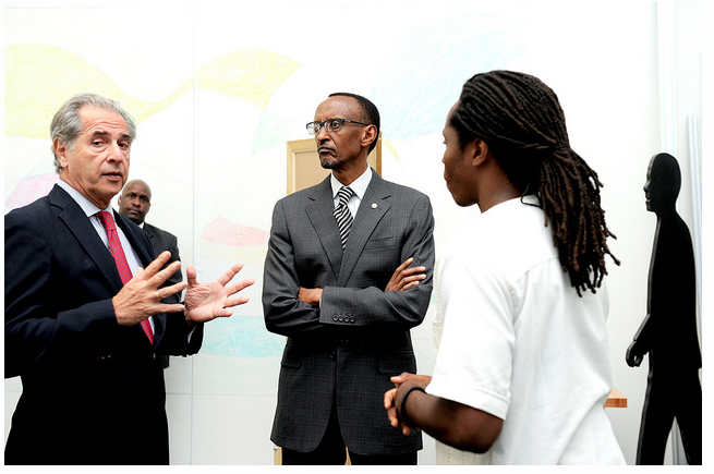 Rodrigo Arboleda and President Paul Kagame at the Media Lab